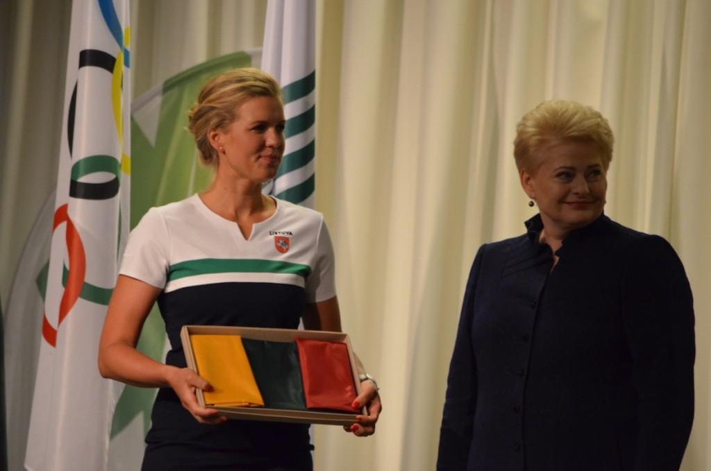 Gintarė Sheidt ir prezidentė Dalia Grybauskaitė
