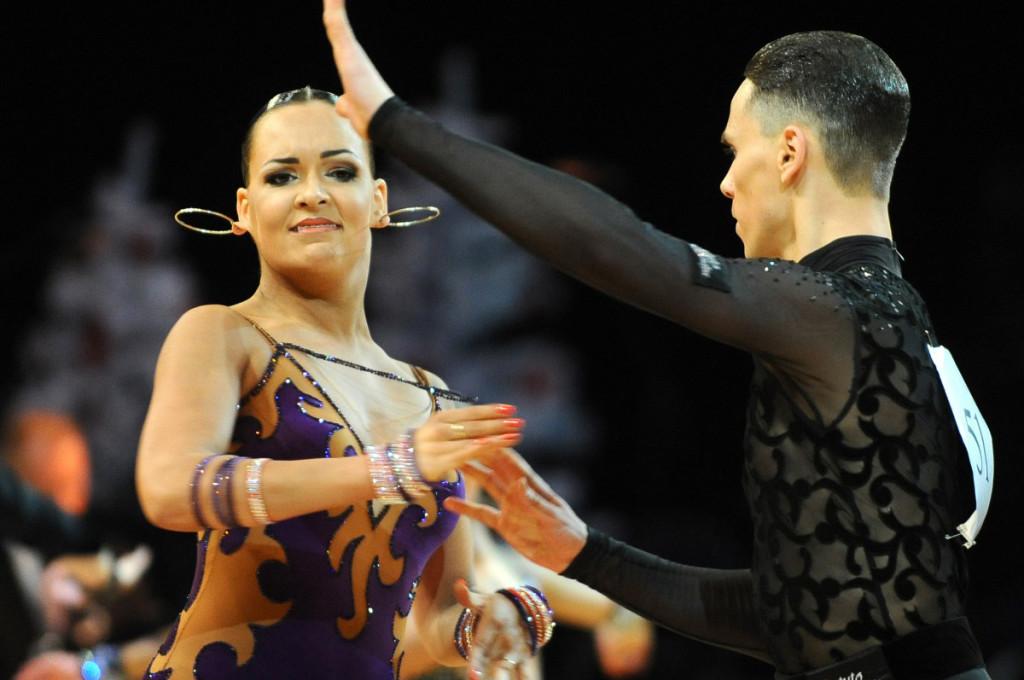 Lithuania Open šokių varžybos Siemens arenoje. Šoka ne tik šokėjai , bet ir auskarai.